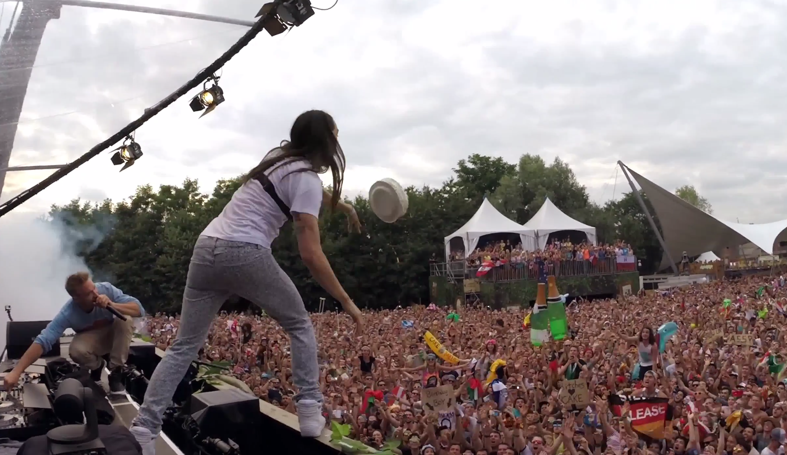 steve aoki go pro cam screenshot tomorrowland