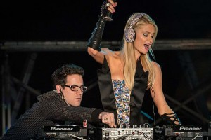 paris hilton fake dj dj awards
