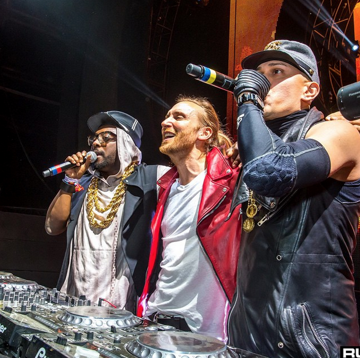 David Guetta & Black Eyed Peas – Awesome (Preview)