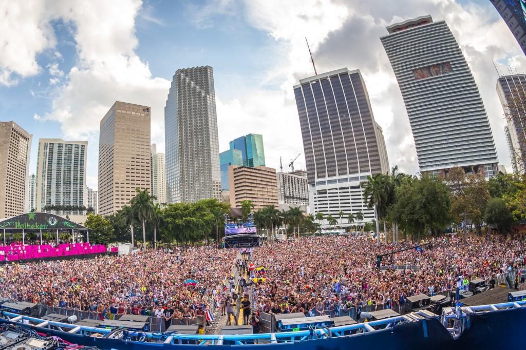 Für diese Momente schlägt unser Herz: Zusammen mit Zehntausenden zur gleichen Musik feiern - das Festival.