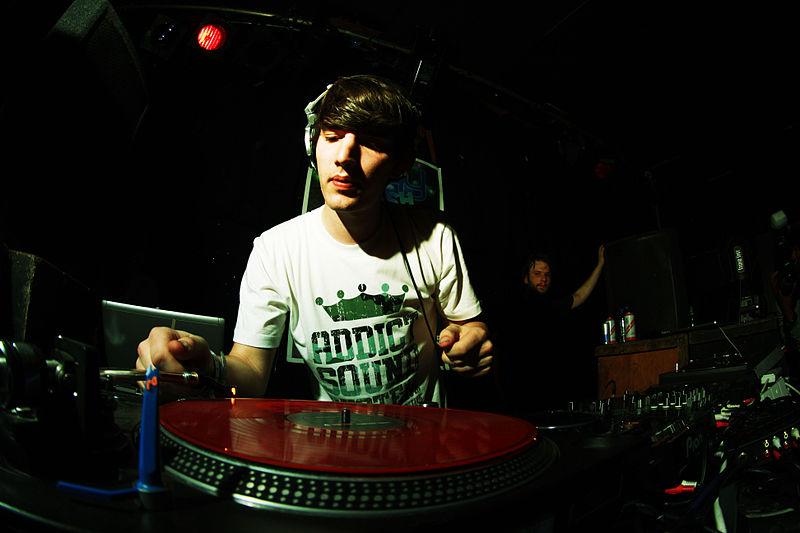 11 Musikwünsche, die jeder DJ hasst