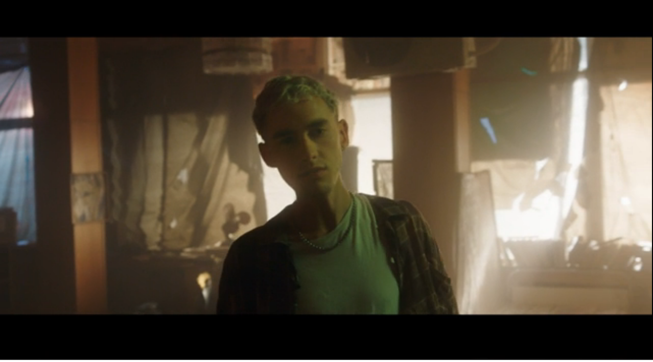 "Weltuntergang bei Years & Years – Videopremiere ""Eyes shut"""