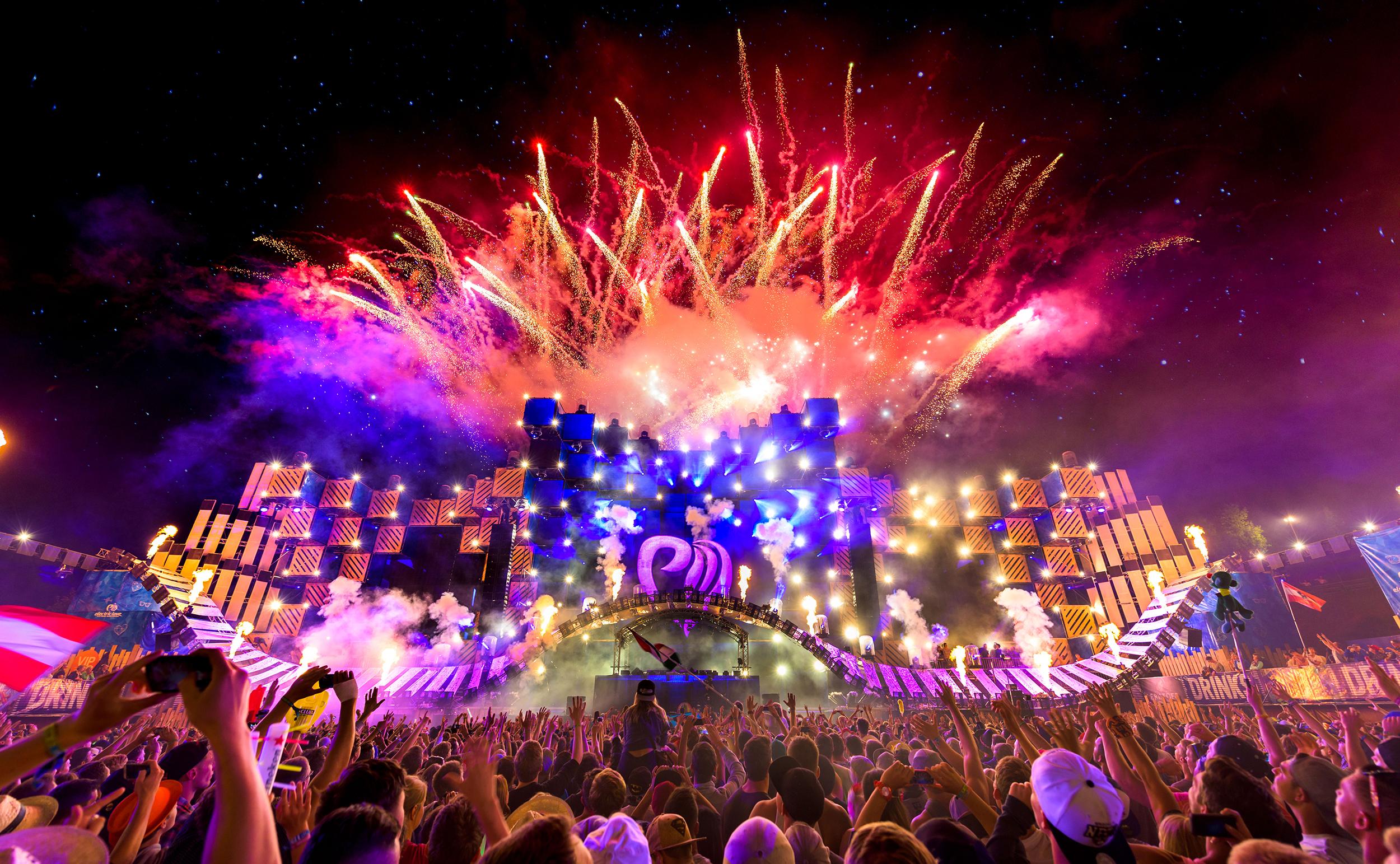 JACK Ü ELECTRIC LOVE FESTIVAL 2016 SKRILLEX DIPLO