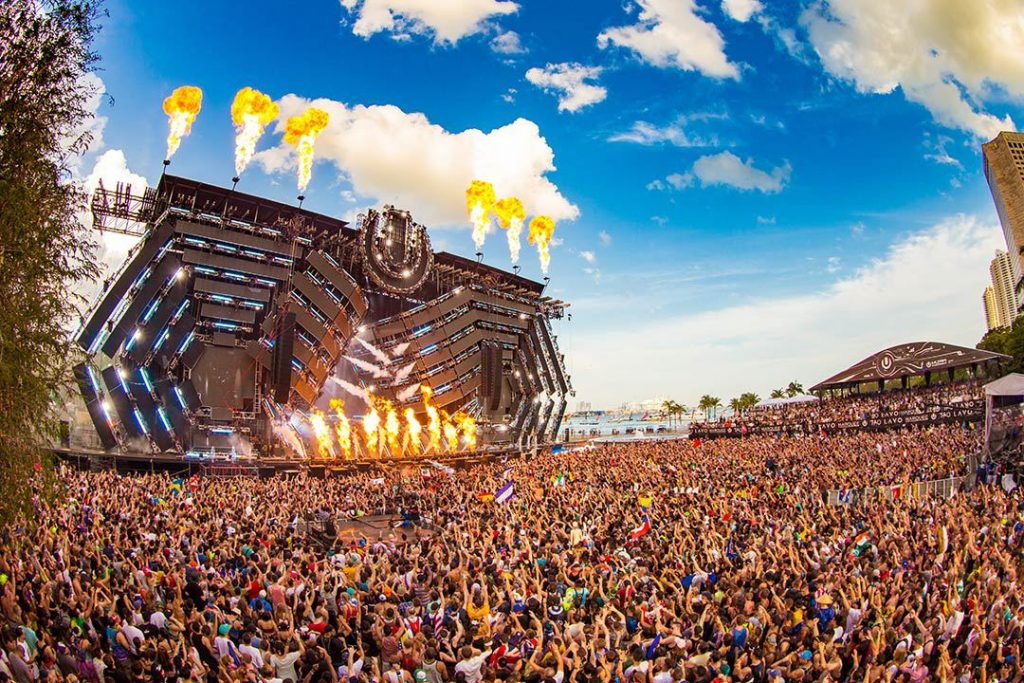 Weather Good Vibes Music Friends Party Love Sun Summer Enjoy Warm Yellow Stage Blue Sky People Headliner